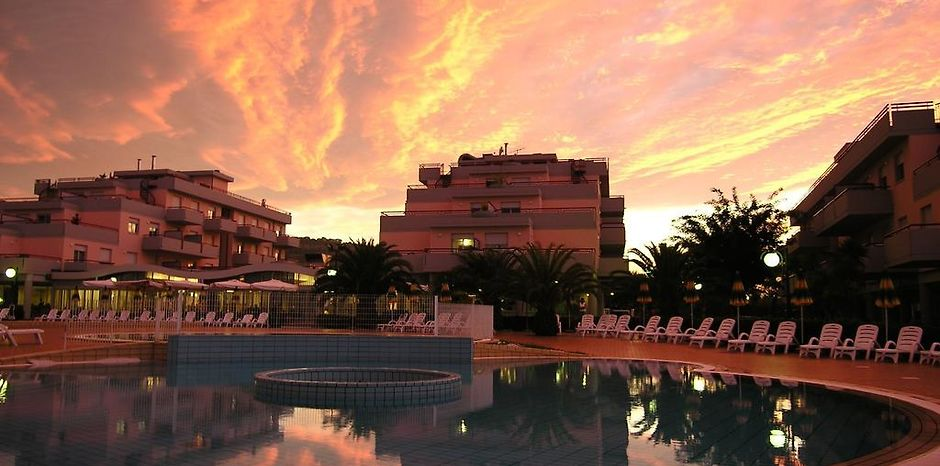 RESIDENCE CLUB HOTEL LE TERRAZZE GROTTAMMARE - Grottammare, Italy